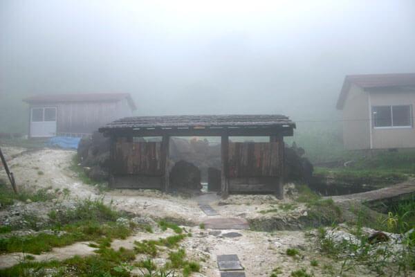 露天風呂の湯小屋