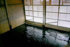 白布温泉-西屋 温泉を楽しむ