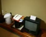テレビ、お茶セット、ポット