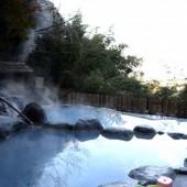 コバルトブルーの温泉1