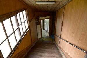 浴室前の階段