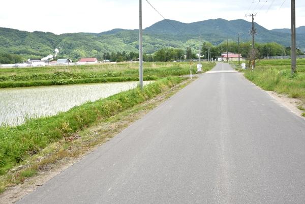 新栄館周辺はのどかな田園風景