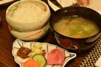 ご飯・味噌汁・漬物