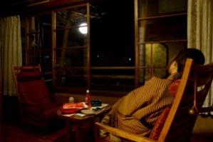 この椅子ほんと座り心地いい~~。外の景色を見ながらのんびり。