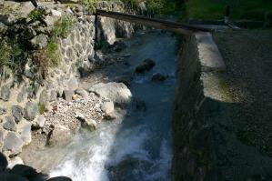 川も濁り湯