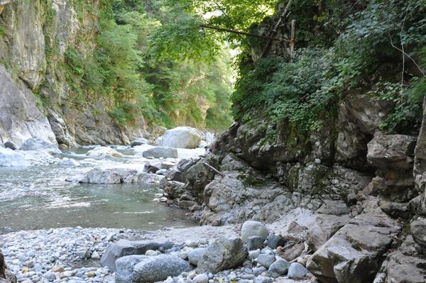 黒部渓谷-鐘釣温泉1