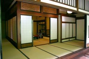 7畳ほどの部屋+7~8畳の廊下風