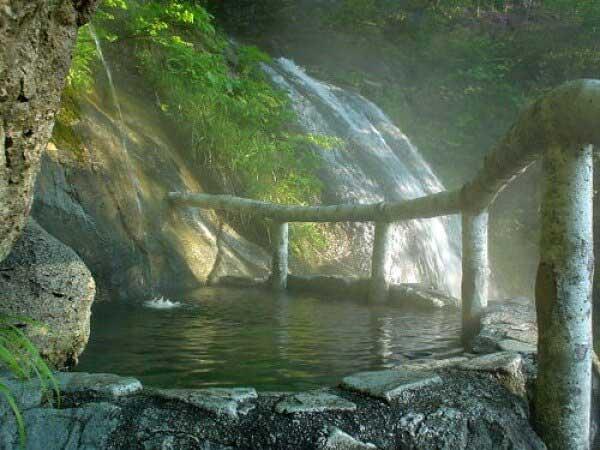 石楠花の湯 混浴 源泉かけ流し PH7.2(中性)