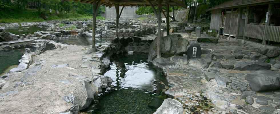 湯原温泉 砂湯 イメージ