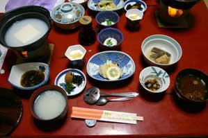 朝ごはんはシンプル 湯豆腐が特においしい