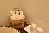 歯磨きセット、カミソリ、コップ