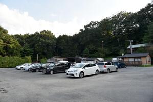 駐車場は広い