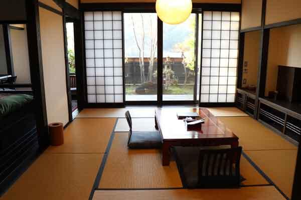 檀香梅(だんこうばい)12畳+6畳(ベッド2台)+4,5畳の書斎+坪庭