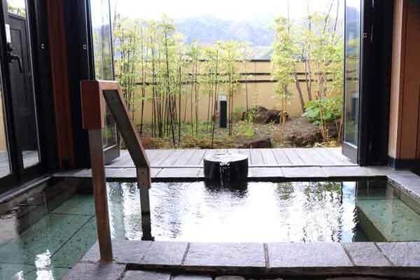 竹風の湯 貸切半露天風呂 循環、塩素有 1組50分以内