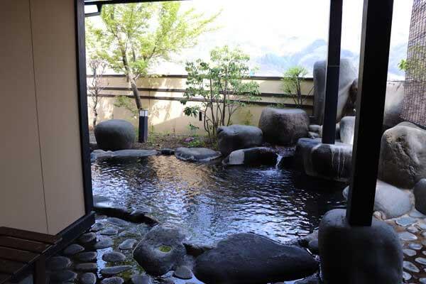 大浴場 石庭の湯 男女入れ替え制 露天風呂は循環塩素入