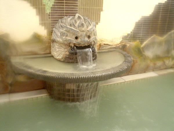 1号乙泉(硫黄泉)湯口