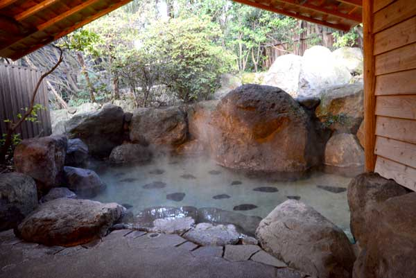 貸切露天風呂 大石の湯