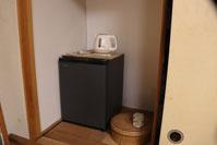 冷蔵庫、湯沸かし器