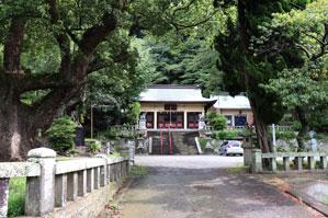 駐車場は近くの神社